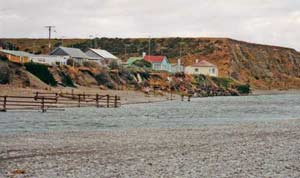 As a result of low water flow the mouth of the Ashburton River is often closed off by shingle.