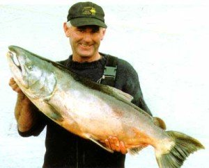 Ian Hurst from Ashburton with a salmon from the Waitaki River weighing 15.075kg (33 lb).