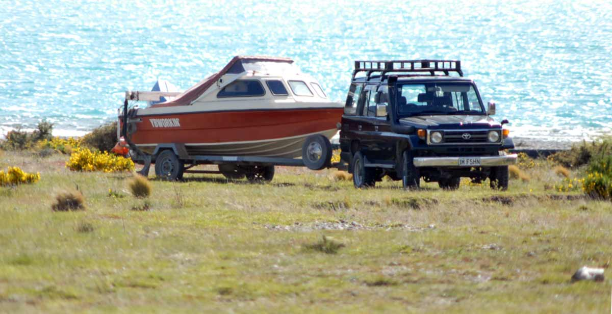 A good 4x4 truck comes into its own when towing a boat. At Lake Coleridge there are no concrete ramps so boats must be launched on loose shingle beaches. Fishing Van or 4×4 Truck.