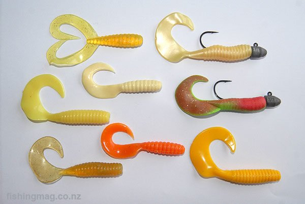 This range of Mister Twister soft bait grubs work great jigged for red gurnard over a sandy bottom. The green and red grub is a Berkley Gulp in Nuclear Chicken colour scheme. This thing leeches scented oil and glows in the dark as well! The jig weight is 3/8th of an ounce. Jig weight is determined by the depth and current you are fishing.