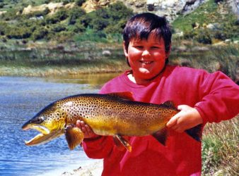 Jamie McKewen of Mosgiel timed the beat of this magnificent 8lb brown trout for more than an hour before fishing for it. Jamie was fishing in the Maniototo area. Photo courtesy of Dean Whaanga.
