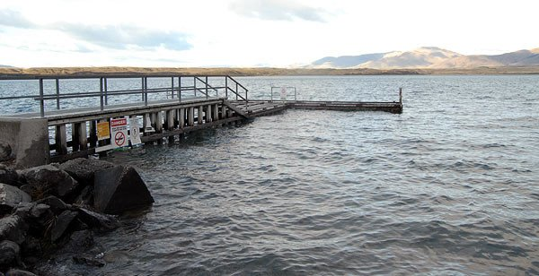 Jetty at the southern end of Lake Ohau. A four-wheel drive is necessary for launching a trailer boat.