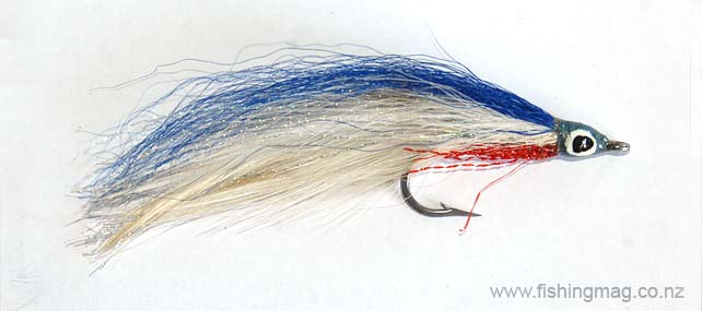 Lefty's Deceiver small size 1 saltwater fly for kahawai fishing.