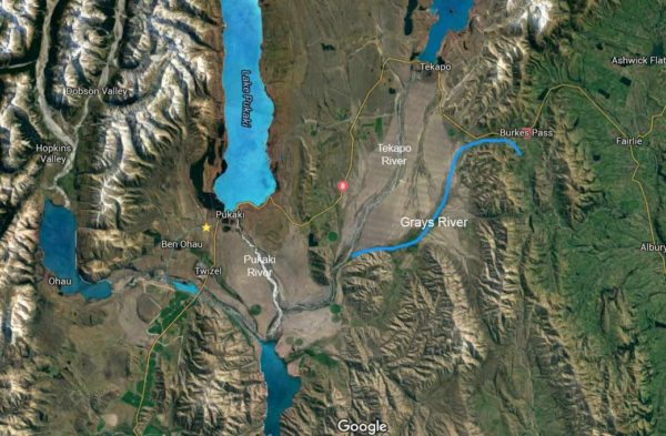 Grays River highlighted in light blue. It runs 25 km south-east from the area just south of Burkes Pass, to join the Tekapo River approximately 16 km from the northern end of Lake Benmore. Map courtesy of DigitalGlobe and Google Maps. Open map image in new tab to enlarge.