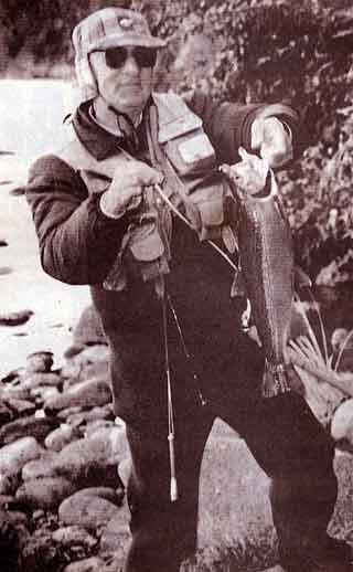 Bill with a good fish. Tongariro River.