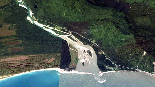 The Arawhata River with its much larger catchment is more prone to flooding and the water more likely to be milky. Imagery courtesy of Terrametrics, DigitalGlobe, Google Earth 2017.