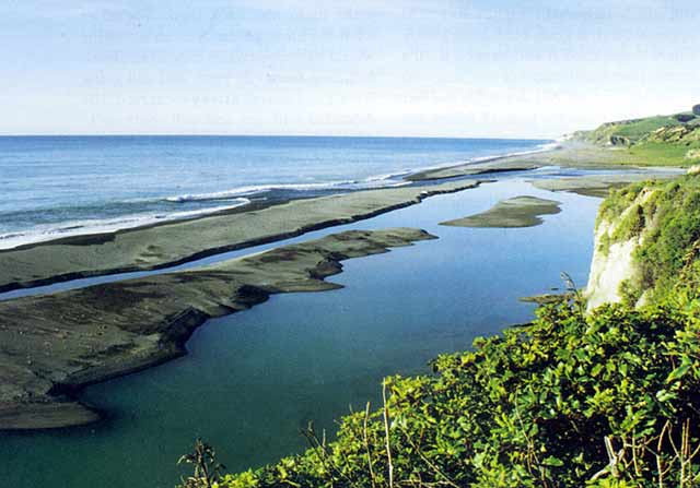 This photograph shows how volatile the area is, with the mouth constantly moving and changing. Hurunui River Whitebaiting.