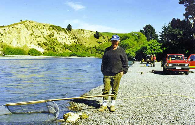 There's nothing like a good tip! Unfortunately this wasn't a good day for Whitebaiting at the Hurunui River mouth.