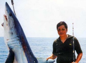 It took Keith 2 hours and 45 minutes to subdue this powerful 149kg mako shark.