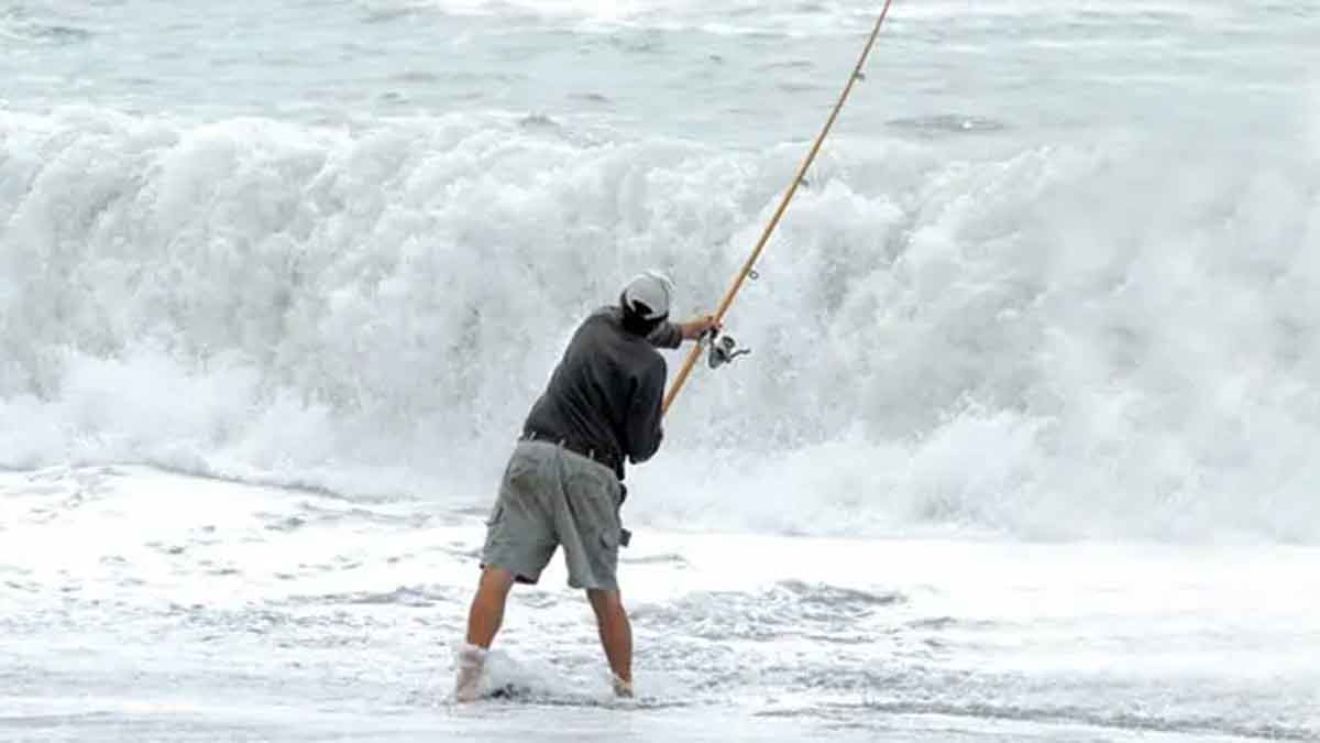 Surfcasting Tips for Beginners New Zealand Kaikoura surf angler.