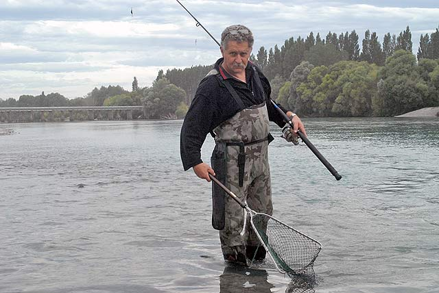 I have had this pair of Dry Line waders for over a decade. They have been excellent value for money. The Neoprene keeps you warm and blocks out the wind. Note the broad expanse of the Waimakariri River shown here between the bridges. In this situation being able to wade out into waist-deep water is a huge advantage. Note also the McLean folding landing net carried in a holster around the waist. Without the net it is difficult to deal with fish while standing in waist-deep water.