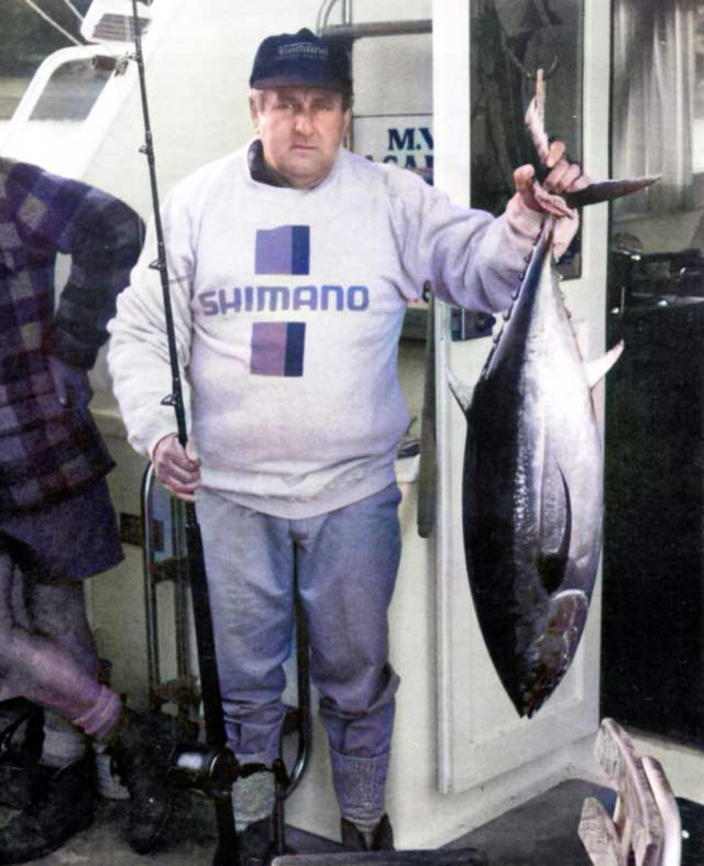 David McLean with a 17kg albacore tuna caught at Major Island.